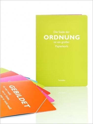 """Sammelmappe, grün, Tucholsky """"Ordnung"""""""